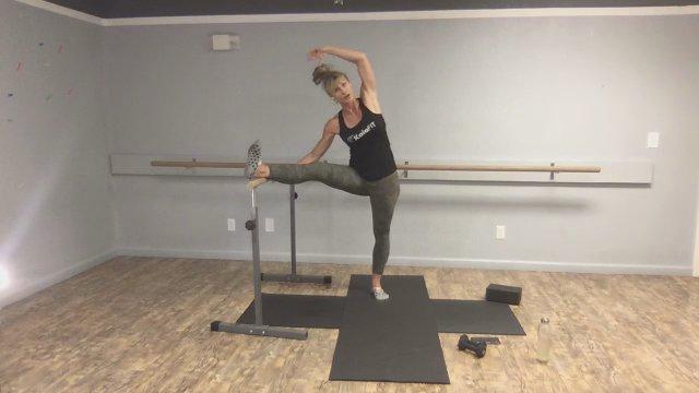 Yoga   Barre Combo w/ Coach Nikki | 60 min
