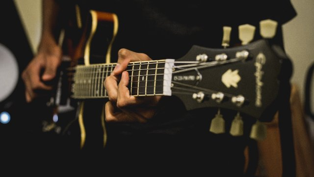 Writing Your First Song In Studio One Part 11 - Cutting Guitars For Impact