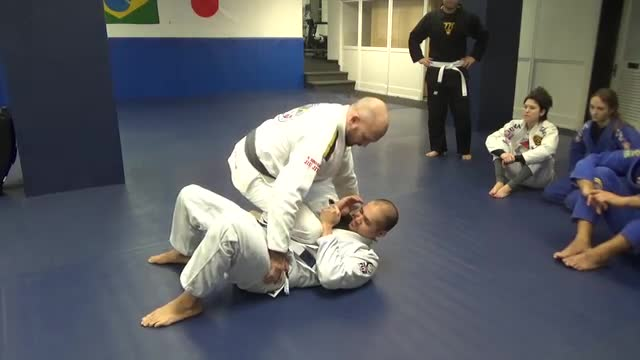 Knee on belly escape