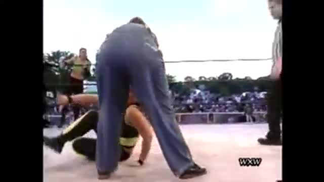 WXW's Sportsfest 2005- Cindy Rogers & Alicia -vs- The Moonshiners