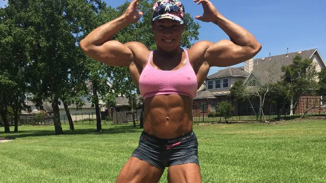 Tampa Pro: Pumped prepping and posing