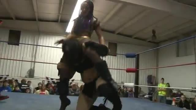 2014 UNCHAINED: Amber Rodriguez v. The Native Beast Nyla Rose for the Women's Championship