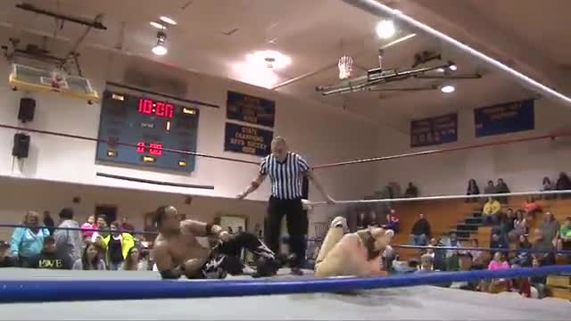 2014 Homecoming: Dark Match: Matt Creed v Lazaro Ortiz