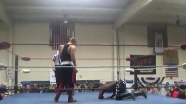 2013 Wrestling for a Cure: 1. TV Title Tournament Skull v. Alan Cross