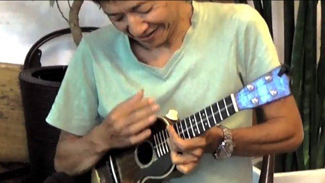 IWAO plays Waikiki ( 8/25/2016)
