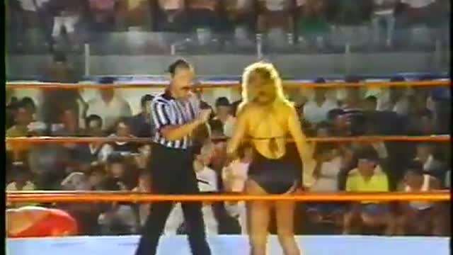 Sherri Martel VS Candi Devine