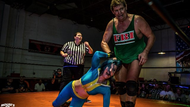 Tracy Smothers VS Leva Bates