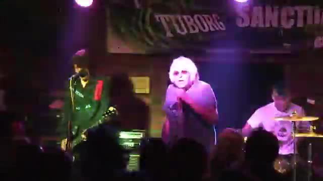 003a UK SUBS - Live (2014 Sanctuary Burnley UK)