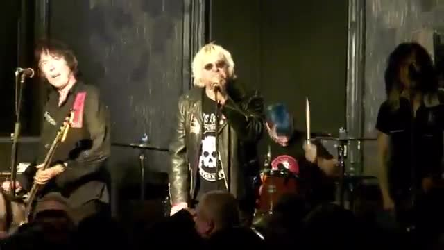 003b UK SUBS - Live (2014 Star & Garter Manchester UK)