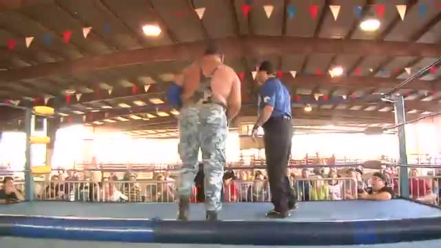 Summer Clash: #02 - Bushwhacker Luke vs. Roosevelt w/ Brian Thompson