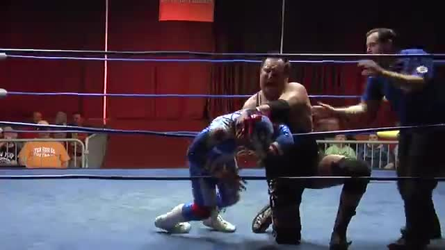 Wrestling at Resorts 2: #01 - Apoc vs. Americos