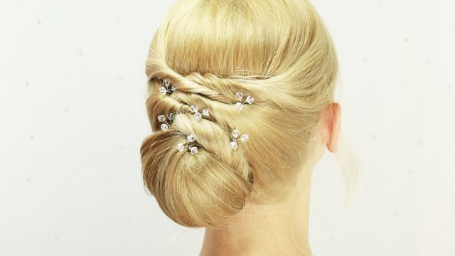 Updo - tunnel pinning