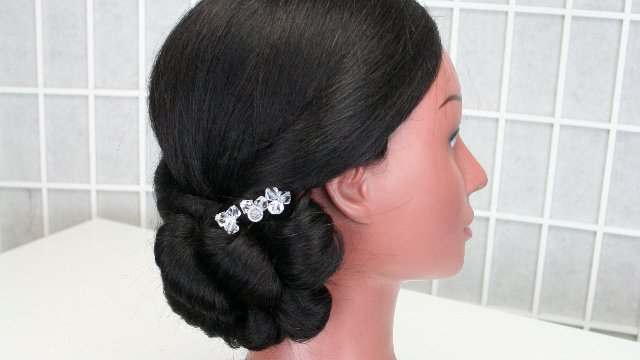Bridal hair 101 - Side do (no curling, no teasing)