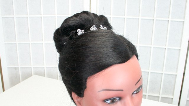 Bridal hair 101 - Updo (no curling, no teasing)