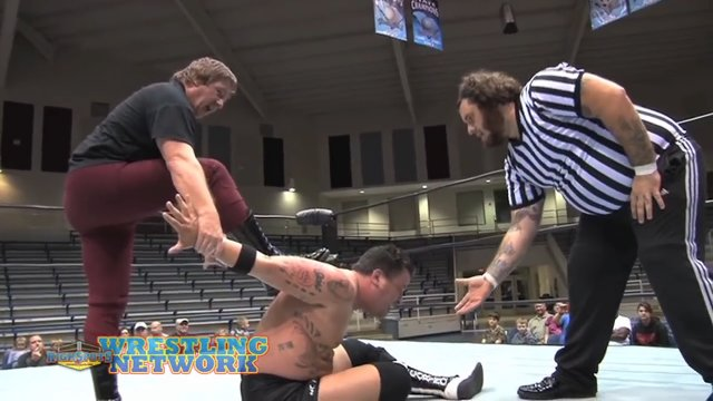 FREE MATCH: Steve Corino VS Dr. Tom Pritchard