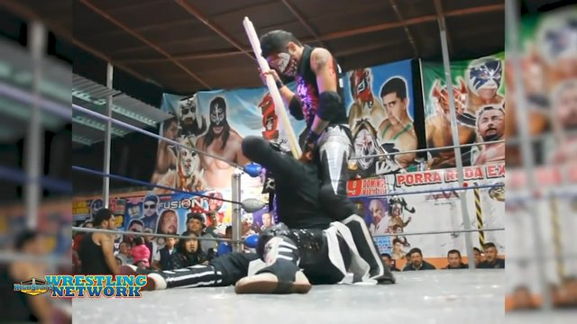 Mexican Deathmatch: Pentagon JR VS Arez (Rare Footage)