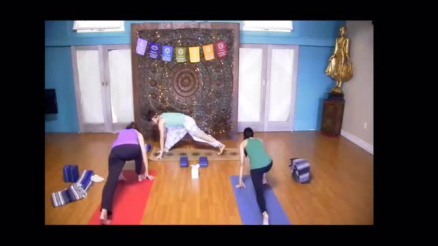 Flow Yoga with Lauren Brown