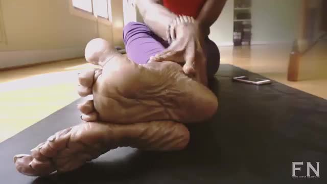 Introducing Her Mature Wrinkled Soles