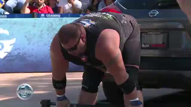Stefan and Lucain deadlift - SCL Mexico - Week 5 - 2019