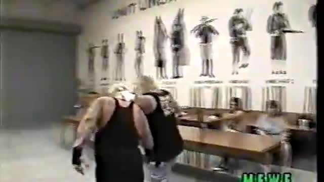 Axl Rotten vs. Switchblade