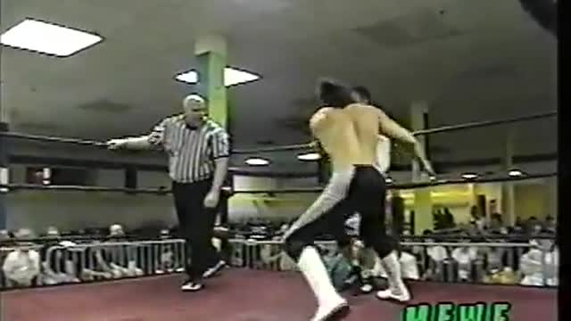 Julio Fantastico vs. Hurricane Kid