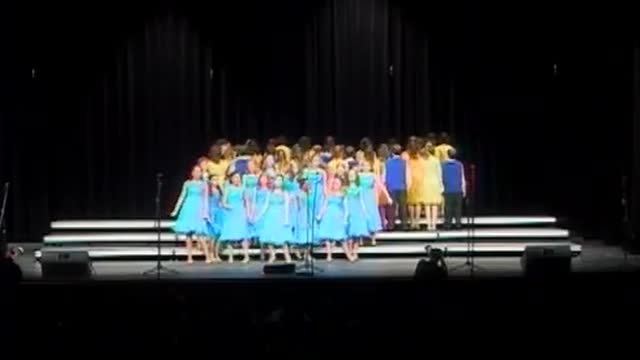 Berry Middle Choir Performance at 2010 Diamond Classic in Albertville, AL